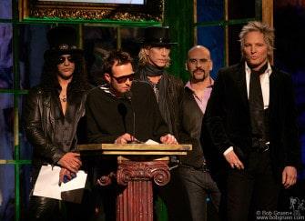 Velvet Revolver inducts Van Halen