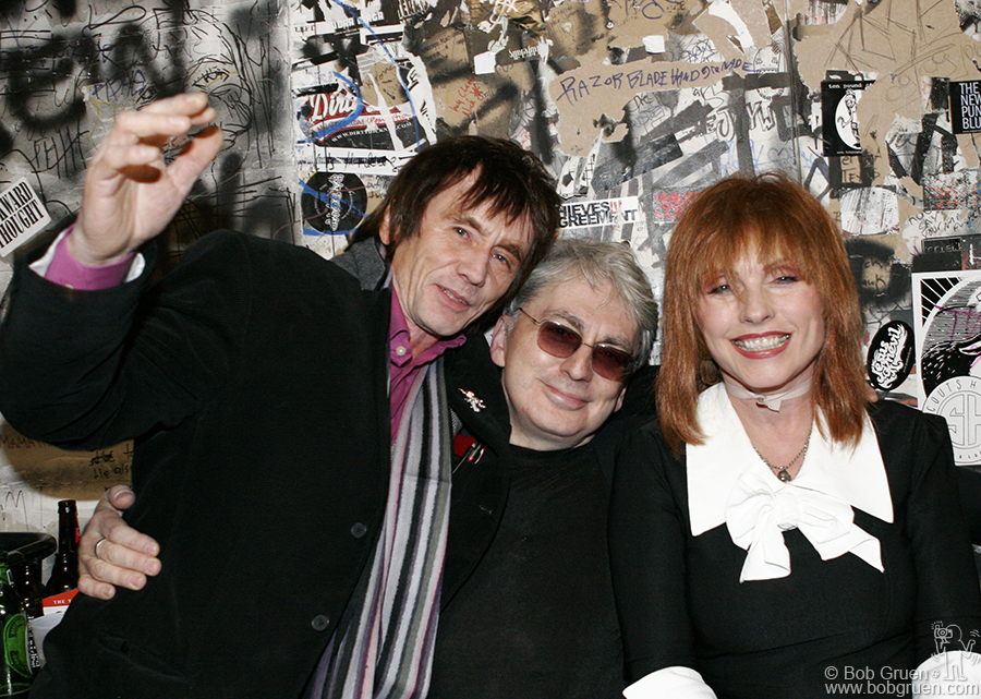 Ivan Kral of the original Blondie band came by to say farewell and joined Chris and Debbie in the dressing room one last time.
