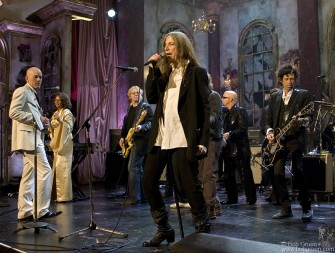 All inductees participate in a final jam performance of Patti Smith's song, 'People Have the Power', written by her late husband Fred 'Sonic' Smith.