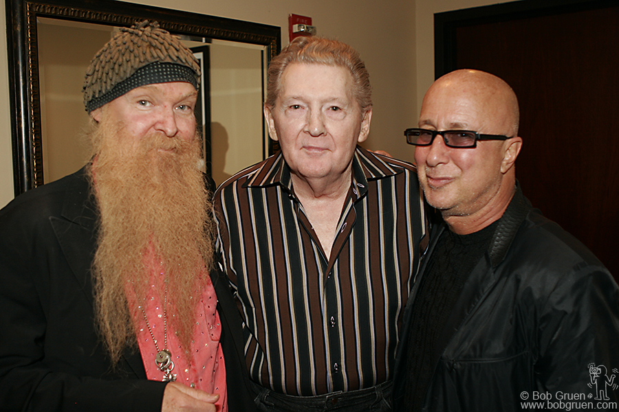 Billy Gibon and Paul Shafer came back to say Hi to Jerry Lee before he went on, and to talk about his upcoming appearance on the David Letterman show.