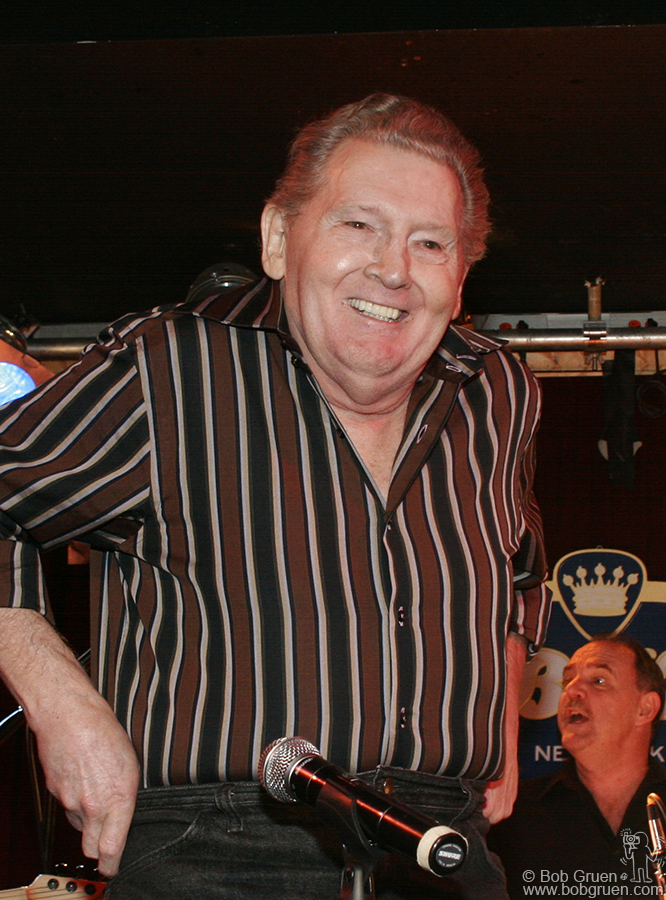 Jerry Lee flashes another smile as he finishes his set.