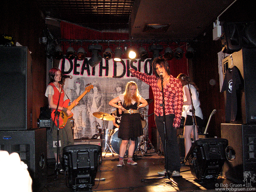 July 19 - NYC - ModRocket played BP Fallon's Death Disco at the Annex club and were introduced by Steve Conte of the New York Dolls.