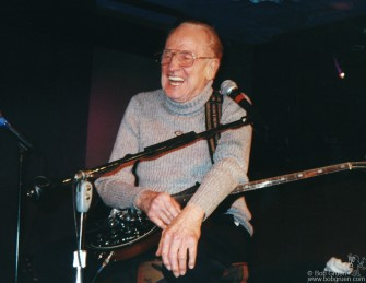 Les Paul celebrated his 87th year by playing another of his great weekly shows at the Iridium club in New York. He sounded as good as ever. Happy Birthday Les!