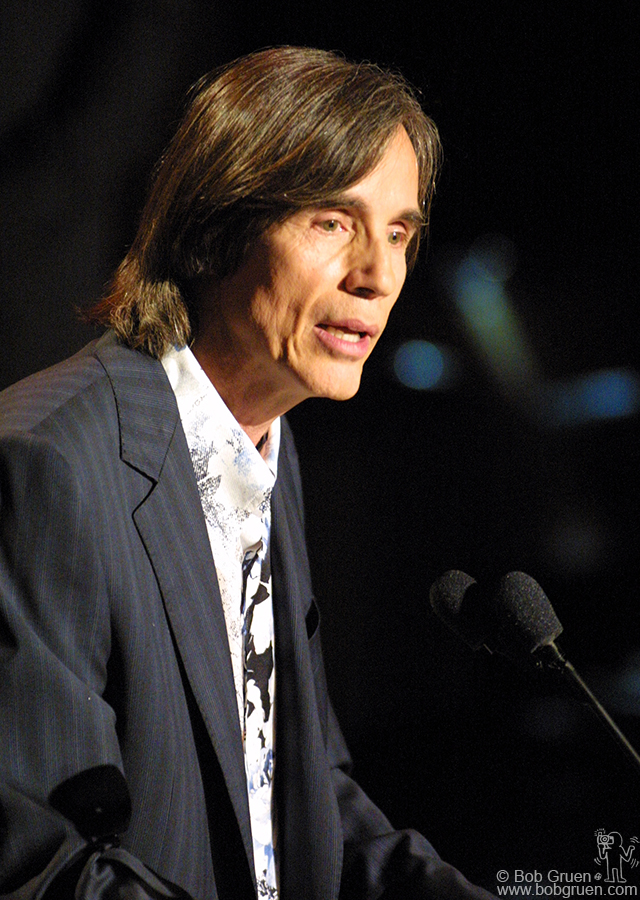 Jackson Browne thanked the Hall of Fame.....