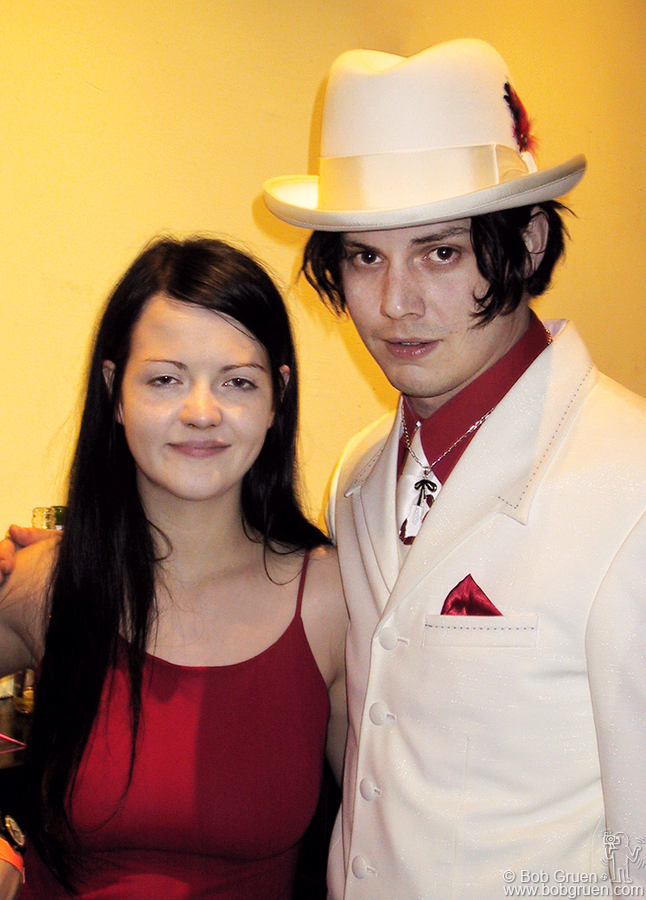 Meg White and Jack White still looking good even at 5am! at Niagara.