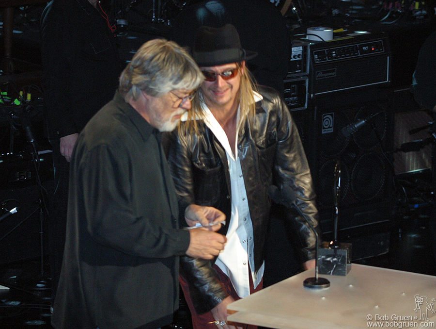 As he inducted Bob Seeger Kid Rock also thanked Bruce, saying that his mother was one of the very pretty girls who went to Jackson Browne concerts.