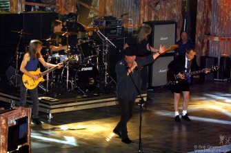 """AC/DC got the crowd up on their feet with """"Highway to Hell"""" and """"You Shook Me All Night Long"""""""