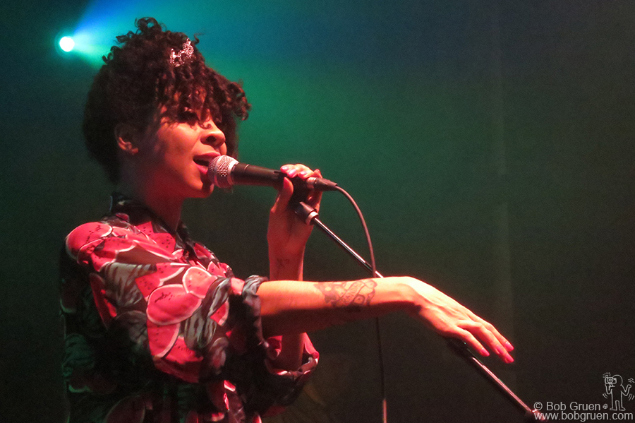 Jan 8 - NYC - Hollie Cook played a reggae influenced set showing how talented she is.