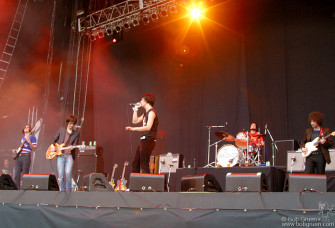 The Strokes also played at the Summersonic Festival. It was their first live show in a long time and their first time in Tokyo; the fans loved them.