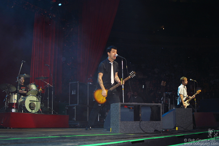 May 31 - NYC - Green Day plays on the big Madison Square Garden Stage.
