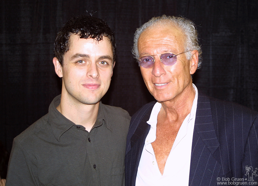 America's biggest promoter, Ron Delsener came backstage before the show to meet the band. He told Billie Joe that he thought Green Day was his favorite group today. He said the way Billie Joe communicates with the audience was a rare talent.