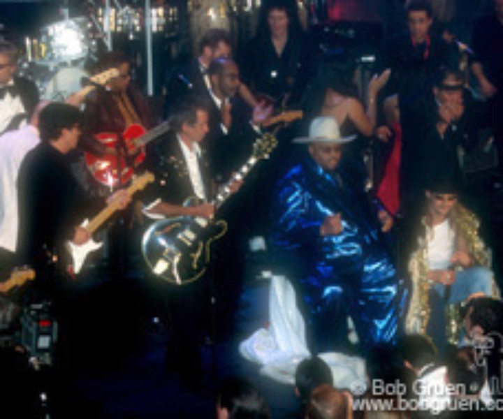 Robbie Robertson, Keith Richards, King Solomon Burke and Kid Rock with members of Queen and Aerosmith, join in the after dinner jam.
