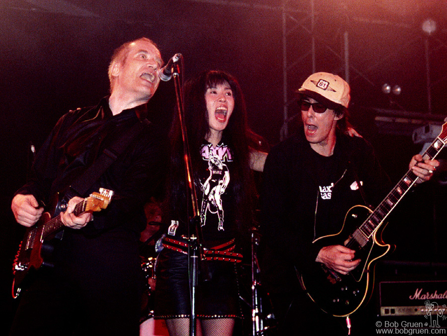 July 29 - Japan - Wilko Johnson played a set of Blues and was joined for his encore by Japanese Superockers Sheena and Makoto of Sheena and the Rokkets.