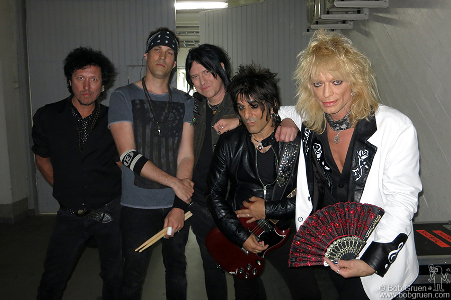 May 28 – Helsinki, Finland – We were lucky to be in Finland at the right time to catch local heroes the Michael Monroe band. Sami Yaffa, Karl Rockfist, Rich Jones, Steve Conte & Michael Monroe backstage at Jaahalli.