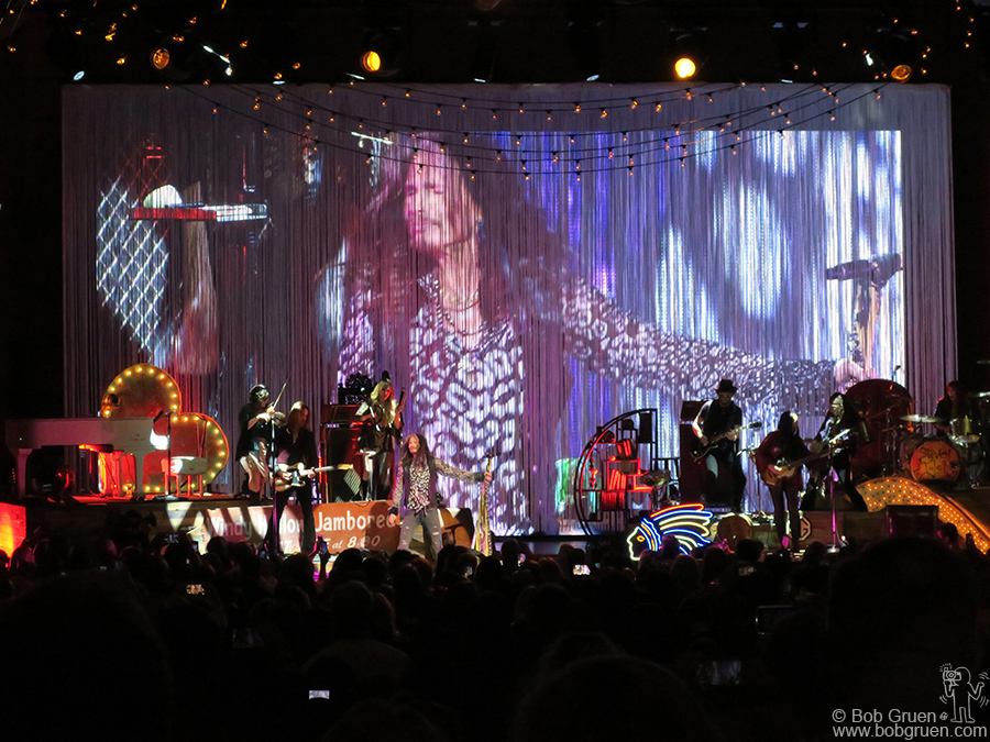 May 2 – NYC – Steven Tyler of Aerosmith on stage at Lincoln Center where he played a solo show to benefit his charity, Janie's Fund.