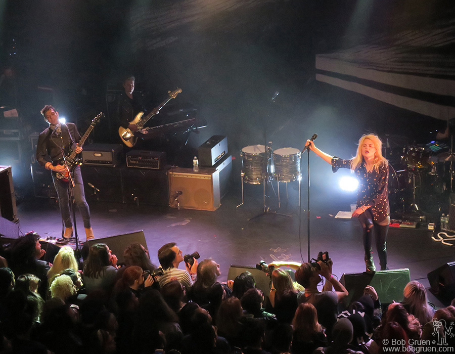 May 17 – Brooklyn – The Kills on stage at the Music Hall of Williamsburg.
