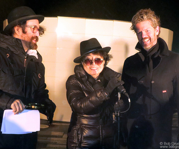 Oct 9 – Reykjavik – Sean Lennon, Yoko Ono and Reykjavik mayor Dagur Bergþóruson Eggertsson during the Peace Tower lighting in Iceland.