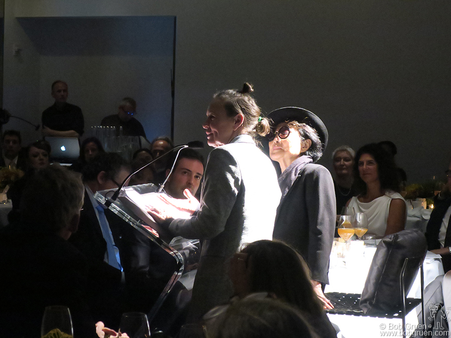 """Oct 30 – NYC – Laurie Anderson receives a """"Courage In The Arts"""" award from Yoko Ono at MoMA."""