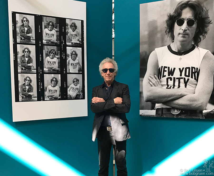March 20 – Buenos Aires – Here I'm in front of the first part of my exhibit at the Centro Metropolitano de Diseño. There are 3 exhibitions of my work now in Argentina, see the events page for details.