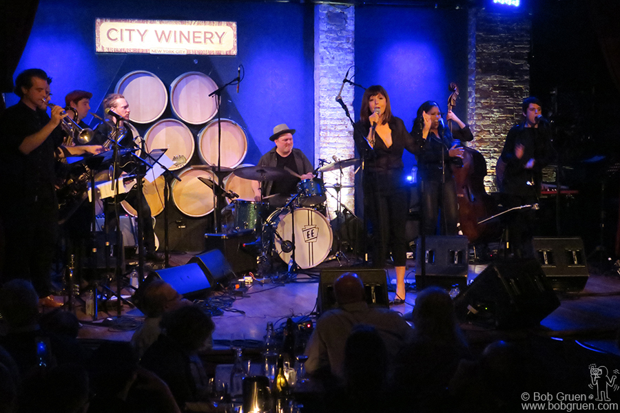 May 7 – NYC – Jenni Muldaur and her band on stage at City Winery for a rare solo show by Jenni…. she's usually a background singer but on this night she was front and center.