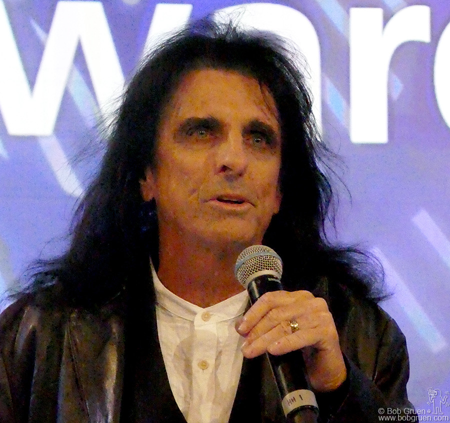 "June 30 – London – Alice Cooper presenting the ""Raymond Weil International Award"" to Niles Rodgers during the Nordoff-Robbins charity awards luncheon at the Grosvenor House Hotel."
