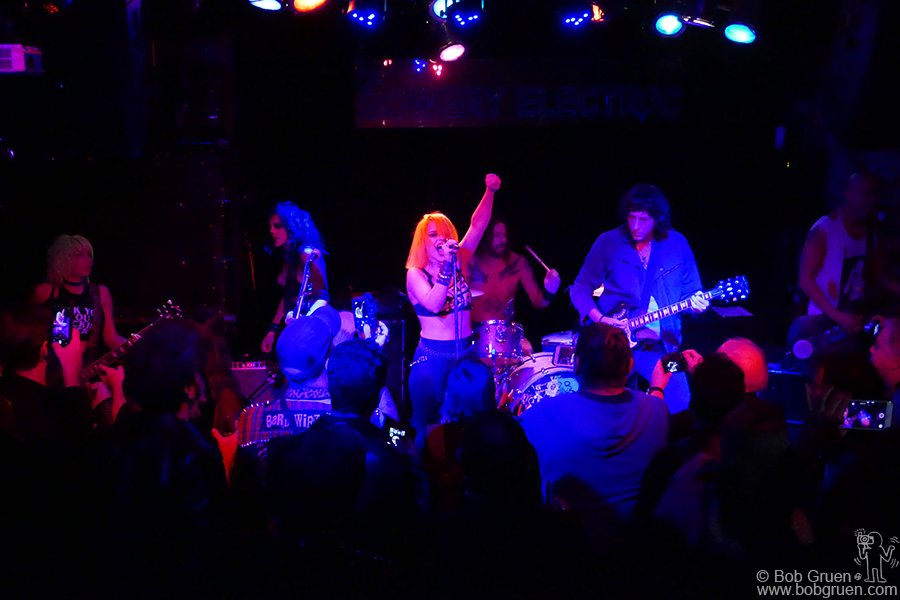 Nov 1 – NYC – Barb Wire Dolls were joined onstage by Mickey Leigh at Bowery Electric.