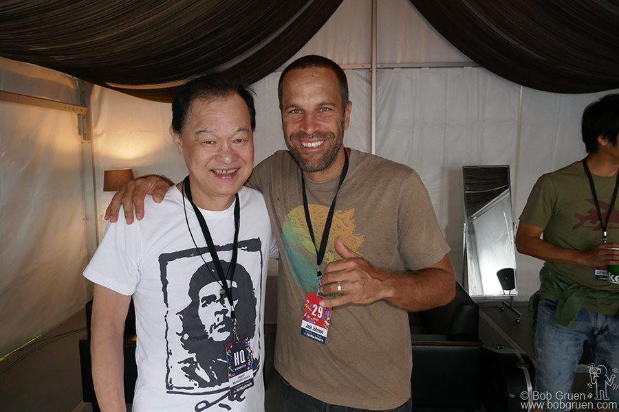 July 29 – Naeba, Japan – Festival Producer Masa Hidaka said hello to headliner Jack Johnson backstage during Fuji Rock Festival.