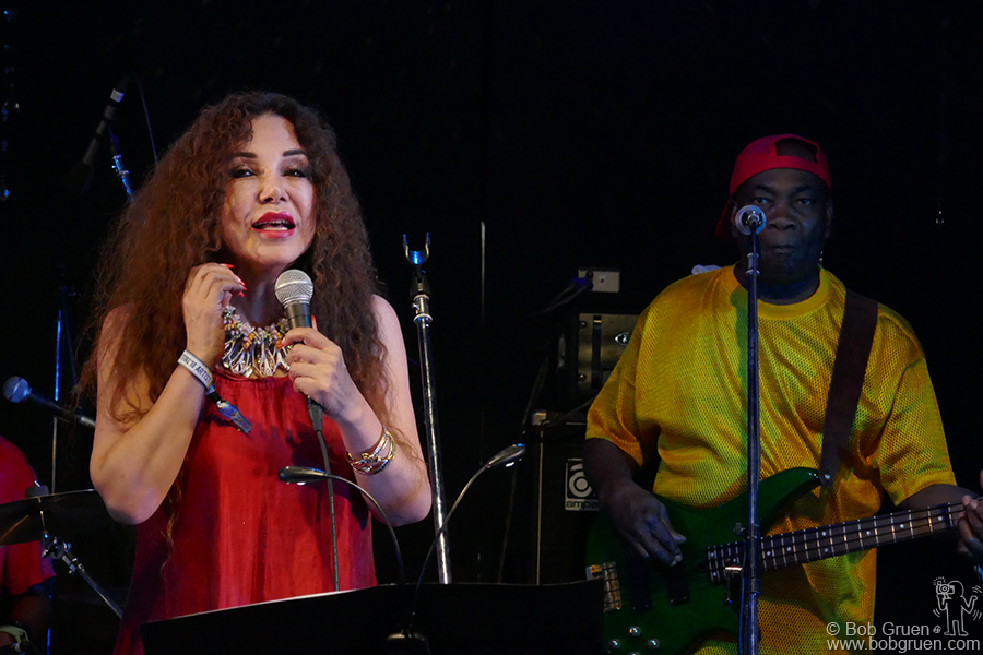 July 29 – Naeba, Japan – Sandii Kawauchi and Dennis Bovell played selections from their new album during Fuji Rock Festival.
